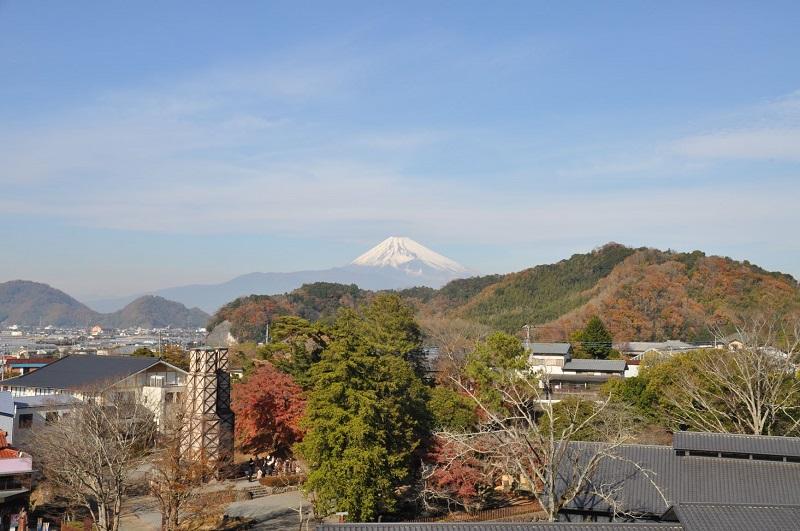 ① 韮山反射炉と富士山 - コピー.JPG