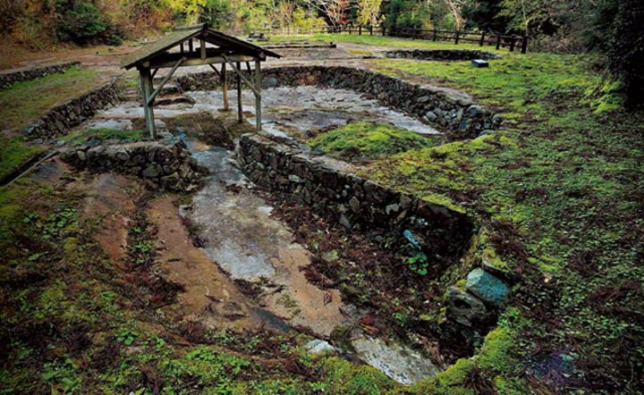 大板山たたら製鉄遺跡の砂鉄洗場跡