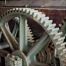 小菅修船場跡の曳き揚げ小屋。日本で現存する最も古いレンガ造りの建造物です。スコットランドで製造された蒸気機関の曳き揚げ機械が設置されています。設備はグラバーが輸入し、1869年に設置されました。