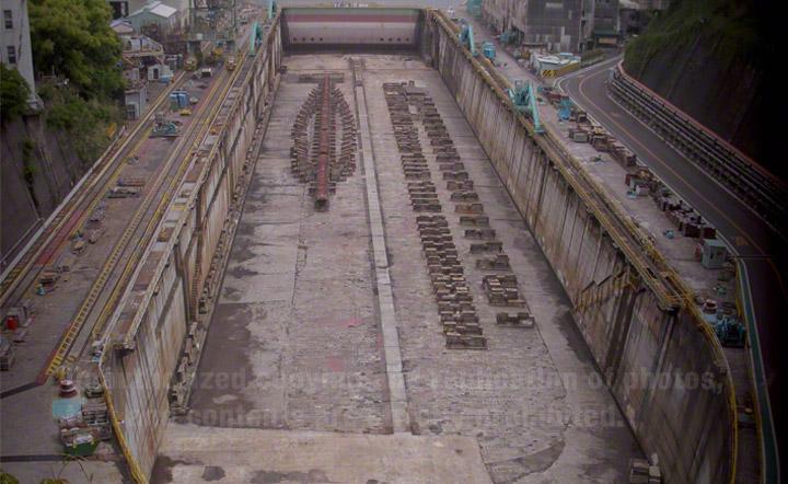 三菱長崎造船所の第三船渠は、1901-1905年に建設されました。