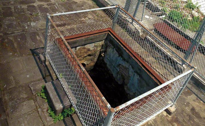 高島炭坑の北渓井坑。日本最初の西洋式竪坑です。